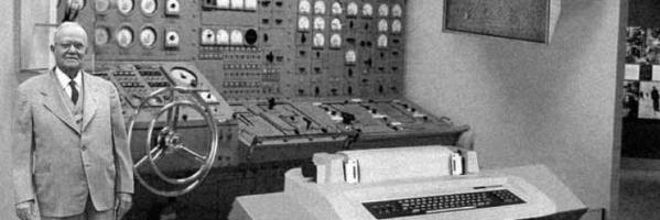 Samotny bloger operuje skomplikowaną maszynerią